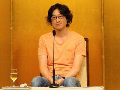 以「東山彰良」為筆名的台籍作家王震緒的小說「流」獲得第153屆直木賞。 記者雷光...