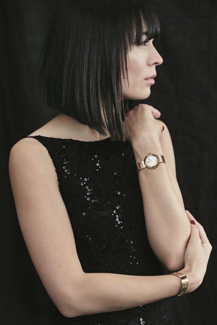 鋼琴家Alice Sara演繹Chaumet全新Boléro系列腕表及珠寶。圖/...