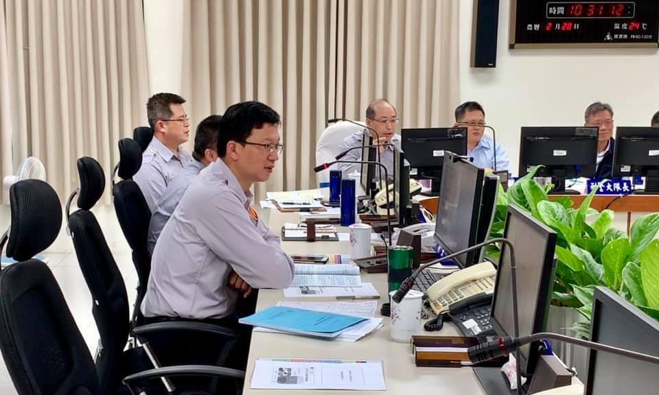 新竹縣政府警察局透過每週兩次的會議時間,請熟稔客語的主管,使用客語進行視訊業務報...