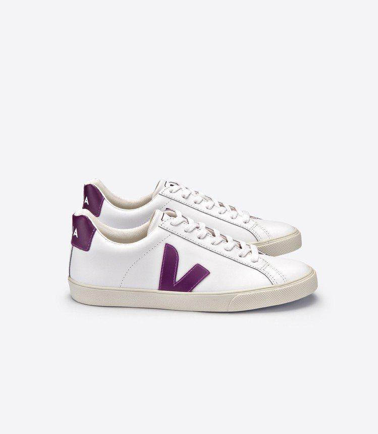 ESPLAR經典皮革鞋款,4,280元。圖/VEJA提供