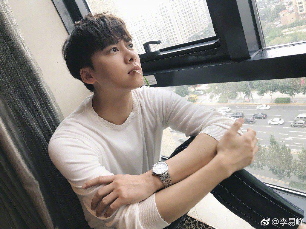 大陸男星李易峰曾有「國民校草」封號。圖/摘自微博