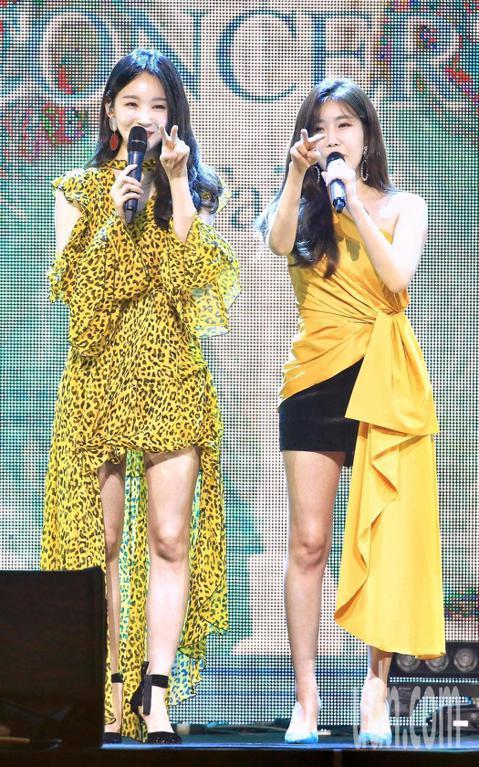韓國「鐵肺姐妹」DAVICHI 7日在台北Legacy Max開唱,她們一開場先高歌「沒有你的時間」和「愛上變身情人」主題曲「如夢降臨」,高音火力全開。看到台下800名粉絲熱情歡呼,DAVICHI開...