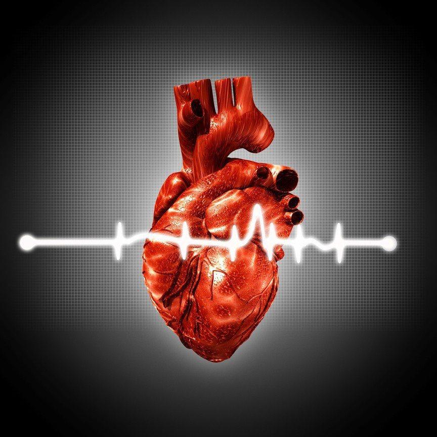 醫師提醒有心血管疾病者,若進入較低溫室內等場域時,可先活動下手腳頸部做熱身,適應...