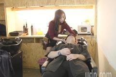 他抱怨「台灣剪頭髮很貴」!美髮業者超怒:專業免錢膩?