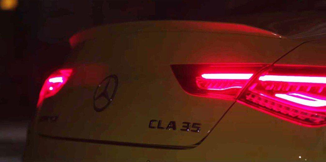 CLA 35的斜背Coupe造型,是與A35 Sedan最大的差異之處。 摘自Mercedes-Benz