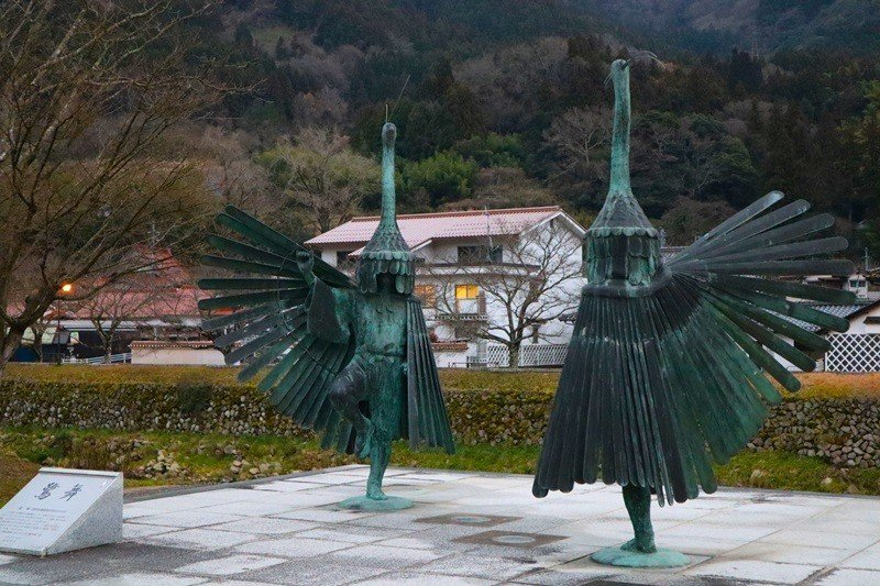 津和野傳承歷史悠久的正統「鷺舞」。每年7月的鷺舞神事,是津和野一年一度的盛事。