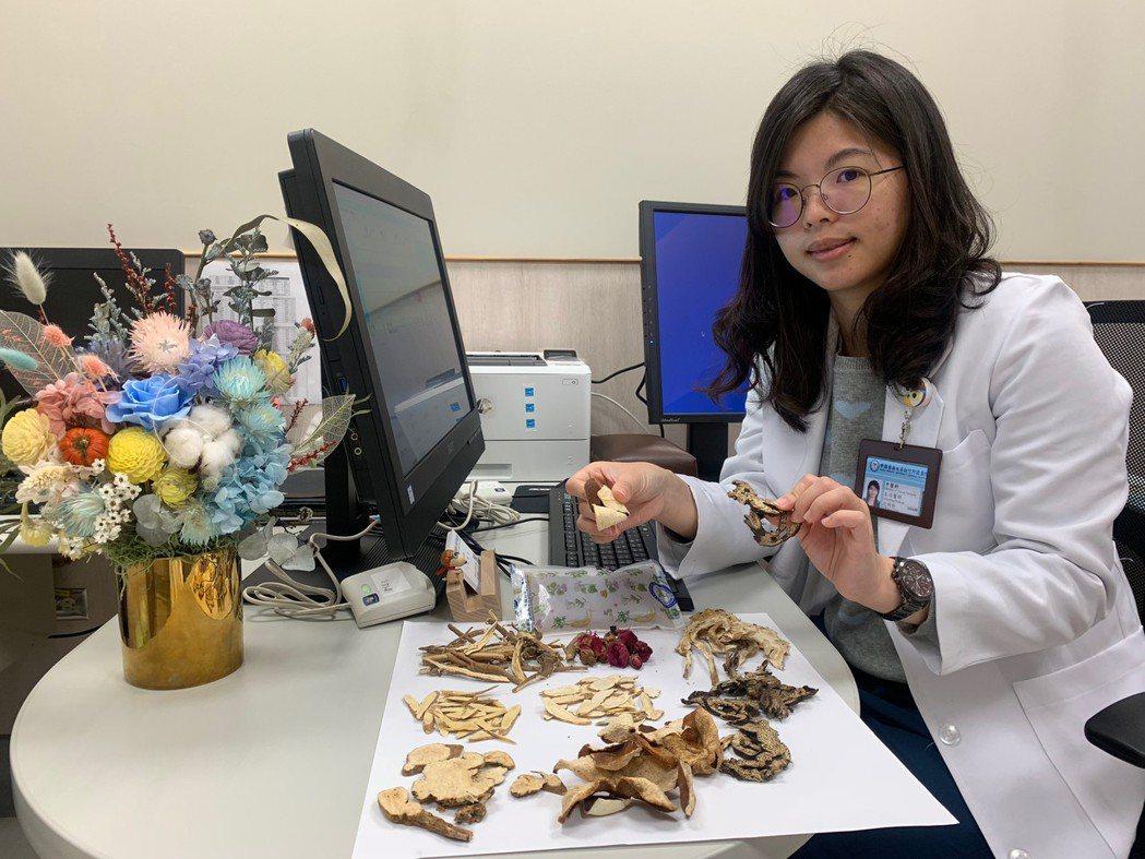 醫師沈俐伶發現竹科女工程師氣虛體質,因為工作關係時常要出國出差加上壓力大,以中藥...