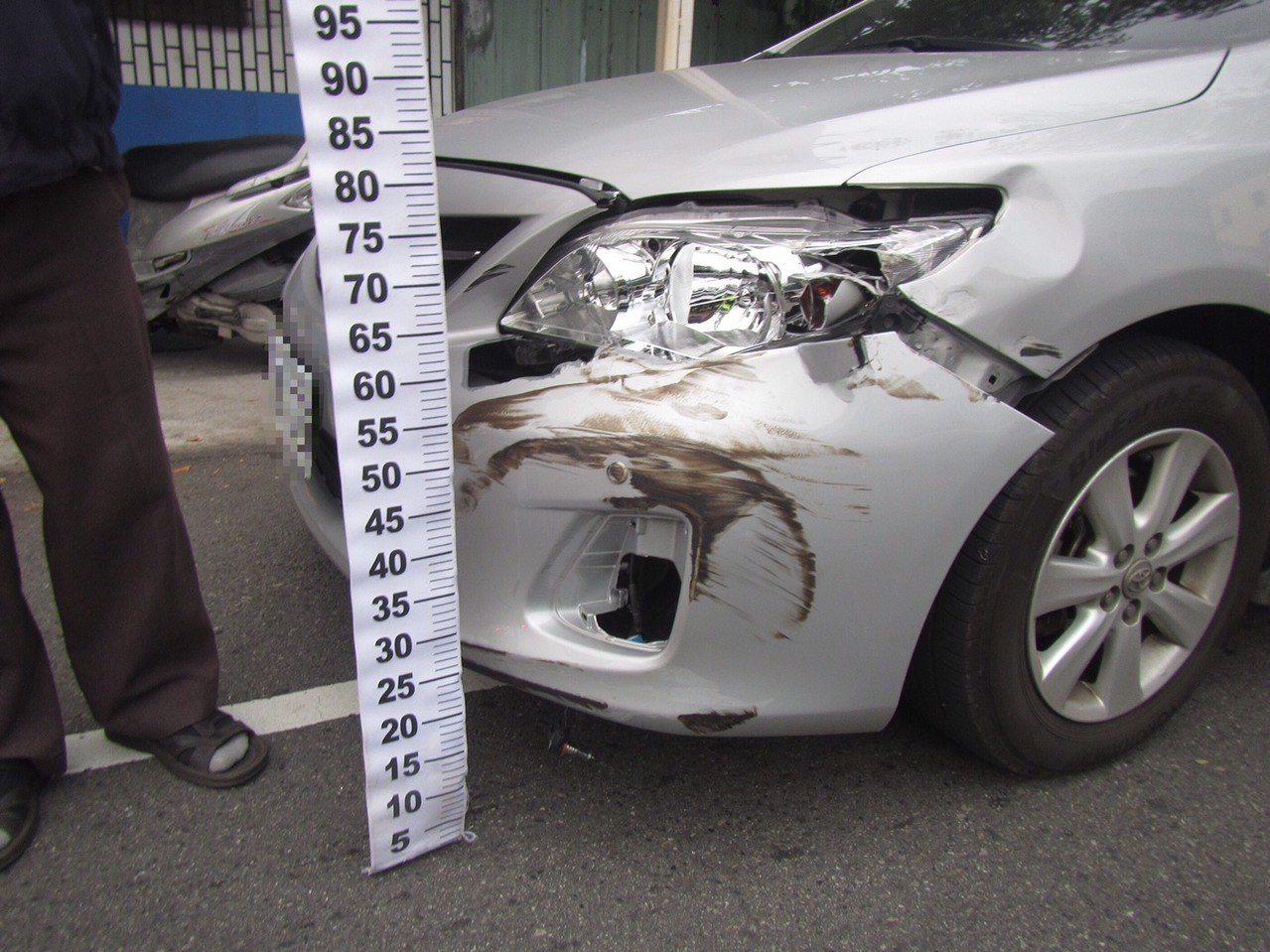 台中市廖姓男子上月中旬開車行經東區振興路時,被黃姓男子的貨車逆向超車撞上,造成車...
