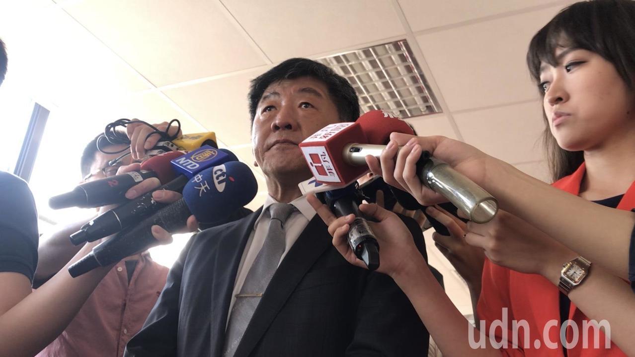 衛福部長陳時中表示,對目前稽查到約有一成社工的工作環境違反勞基法,目前已和行政院...