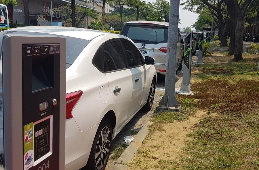 台南市路邊停車智慧系統上午啟用。記者修瑞瑩/攝影