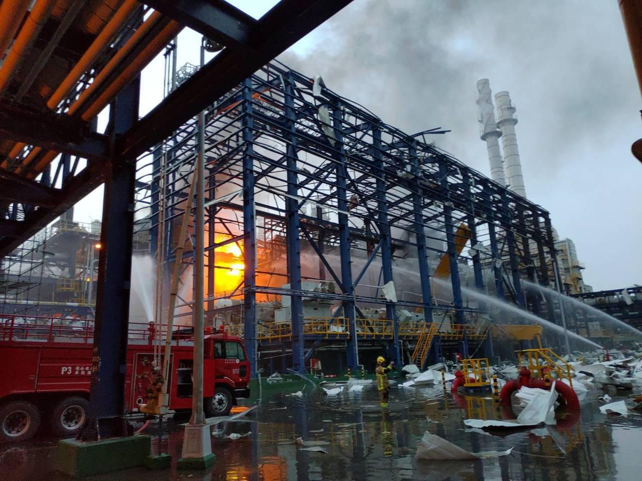 勞動部今(8)日下令發生爆炸的台化麥寮廠停工。圖/勞動部提供