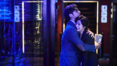 公視、CATCHPLAY與HBO Asia共同推出、大慕影藝製作的「我們與惡的距離」成功掀起台劇新一波討論度與收視率,因太受矚目,7日播出5、6集竟造成大斷訊,公視頻道與網路平台「公視+」都有黑幕或...