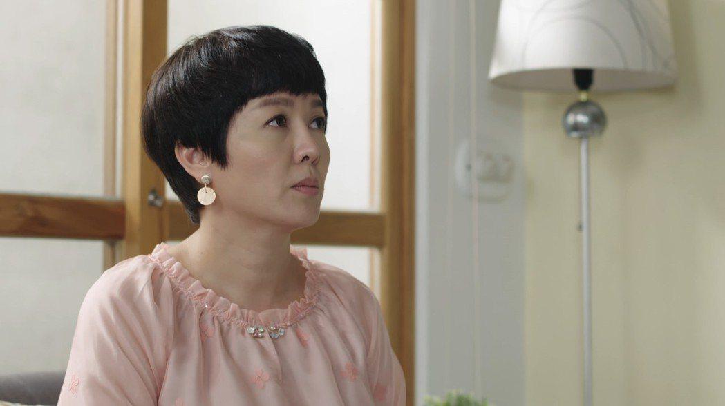 苗可麗現身,被認為是女主角的媽媽。圖/三立提供