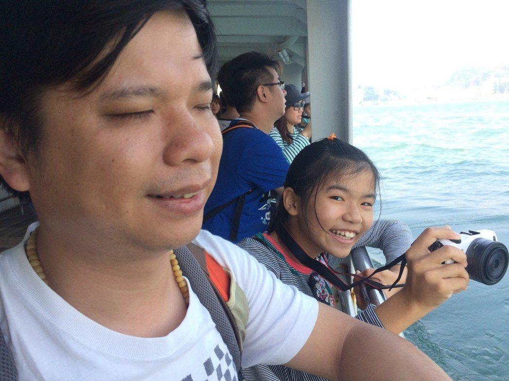 王俊傑(左)常帶著女兒王敬筑一起旅行。圖/ 獨一無二娛樂提供