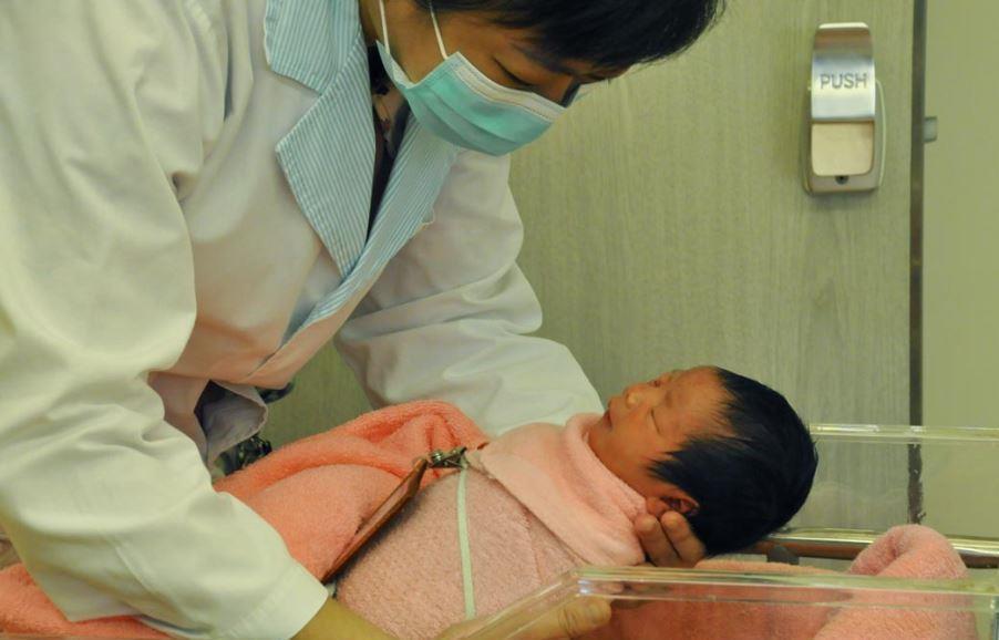 行政院去年八月推出托育新制,但新生兒人數依舊慘淡。 圖/聯合報系資料照片