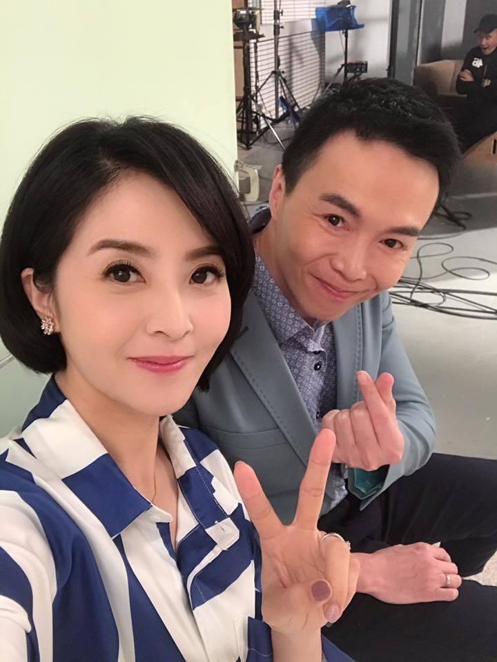 李亮瑾(左)演吳家大姊和吳鈴山第一次合作  圖/摘自臉書