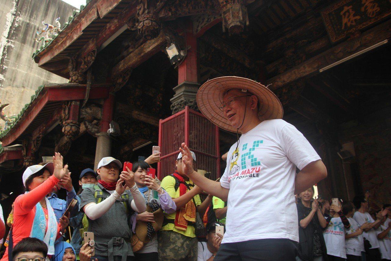 台北市長柯文哲參加大甲媽還願之旅。聯合報系資料照片/記者林宛諭攝影