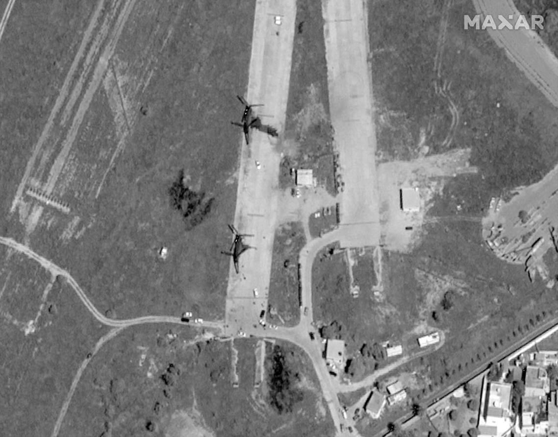 利比亞「東軍」空襲國際機場。 圖/美聯社