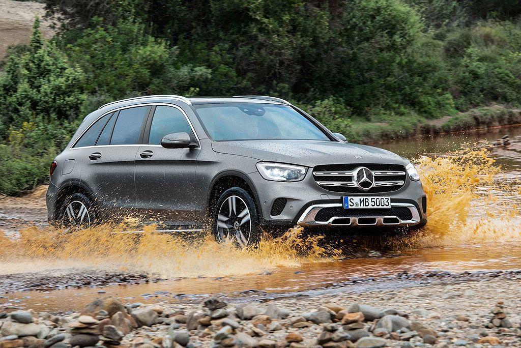 小改款賓士GLC於今年3月瑞士日內瓦車展推出並排定在今年中開始販售。 圖/Mer...