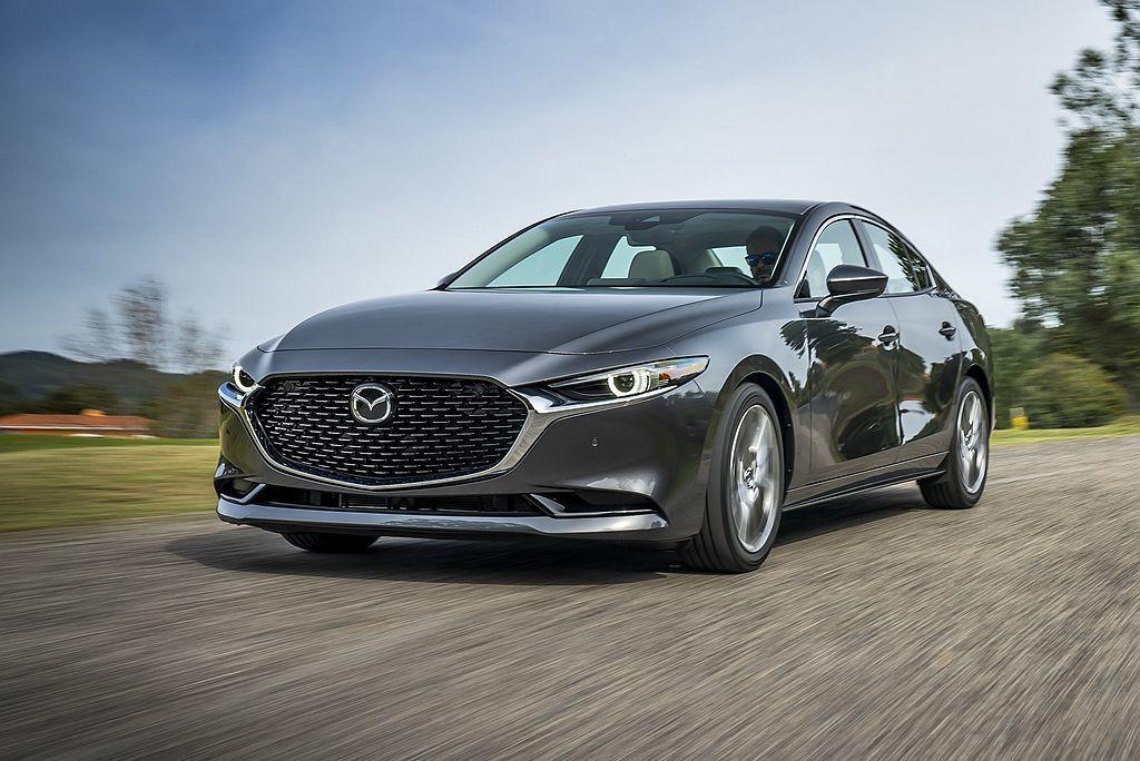 全新Mazda3搭載2.0L Skyactiv-G高效汽油引擎,擁有165ps最...