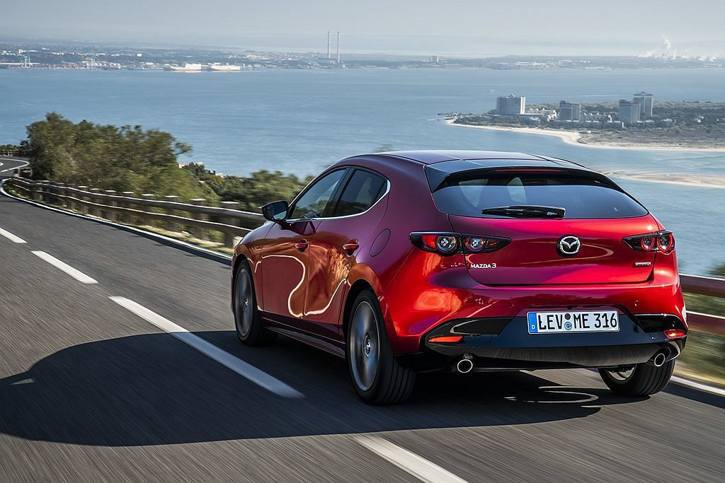 全新Mazda3完整配置i-Activsense主動安全科技,包括CTS巡航模式...