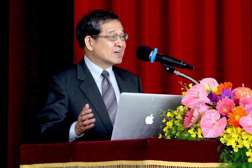曹添旺董事長分析美中貿易戰下台灣的契機。 理律文教基金會/提供