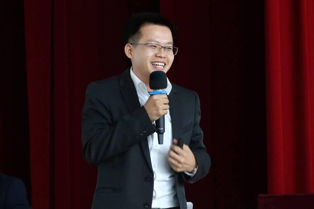 林志緯會長表示,他曾歷經人生許多挫折,但嚐盡失敗苦頭,也因此激發他邁向成功的動力...