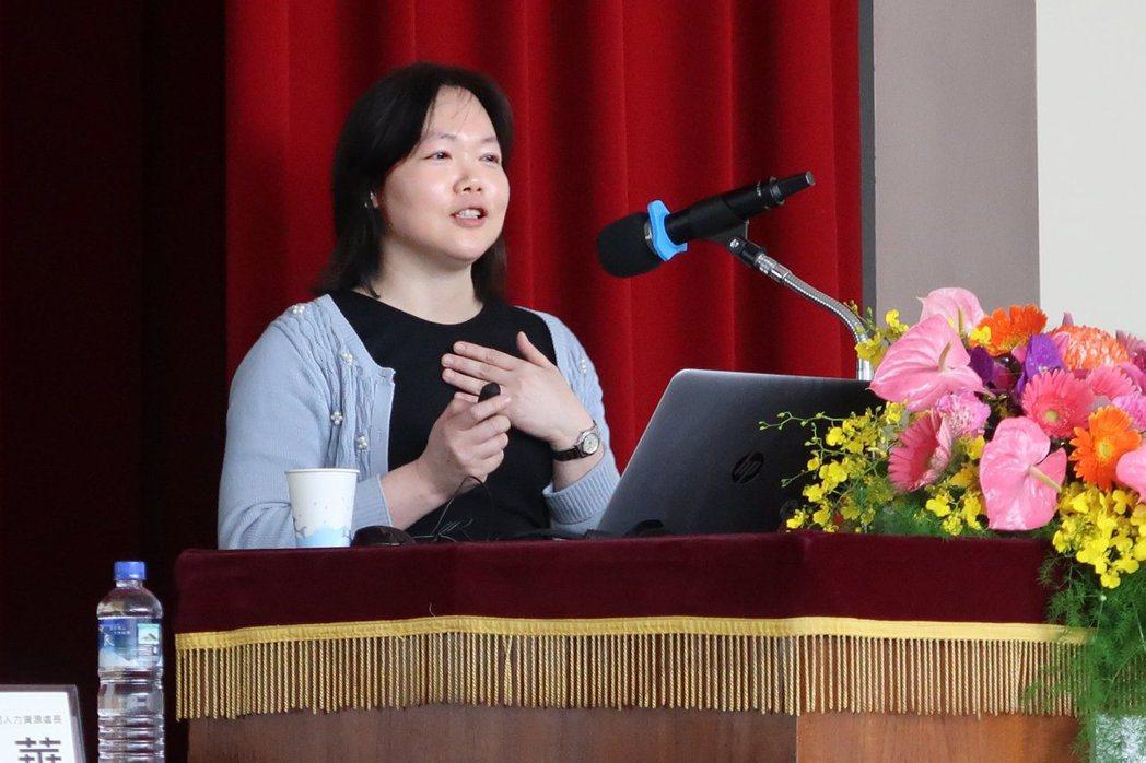 陳芳倩協理曾任職於數個不同類型的企業,所遇到的挑戰亦不盡相同,由此歸納出求才用人...