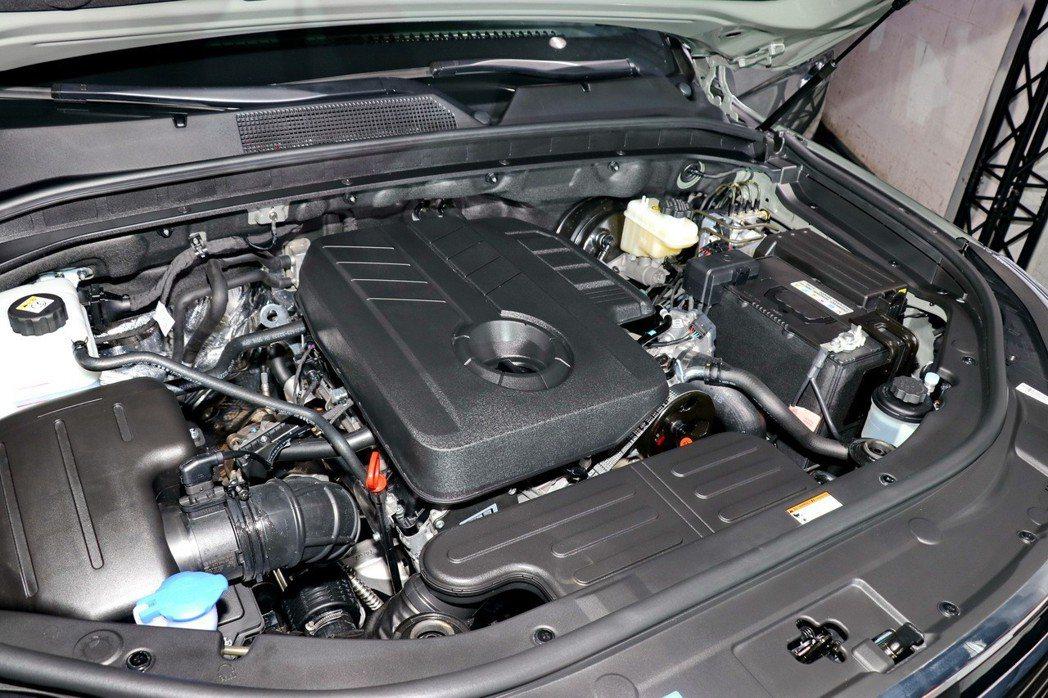 全新REXTON七人座豪華越野旗艦休旅及REXTON SPORTS越野運動皮卡皆搭載原廠代號e-XDI 220的2.2升直列四缸柴油渦輪引擎。 記者陳威任/攝影
