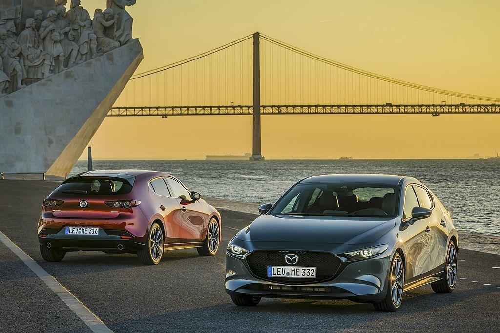 剛釋出台灣預售價格的全新第四代Mazda3,再獲選德國紅點設計大獎。 圖/Maz...