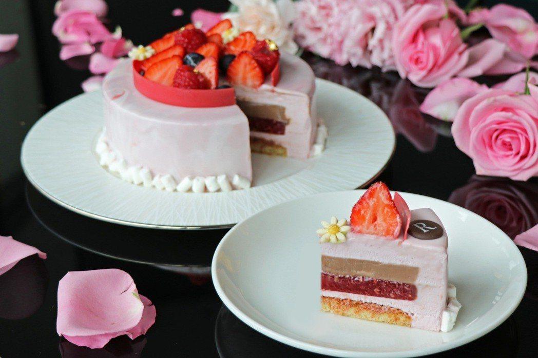 「莓麗佳人」母親節蛋糕是以三種莓果類作為發想主軸,是母親節獻禮的大器選擇。。台北...