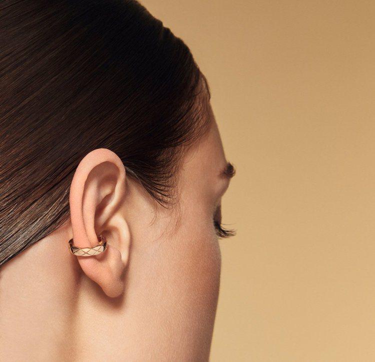 COCO CRUSH 銬式耳骨環,18K Beige米色金與白金鑲嵌鑽石,92,...
