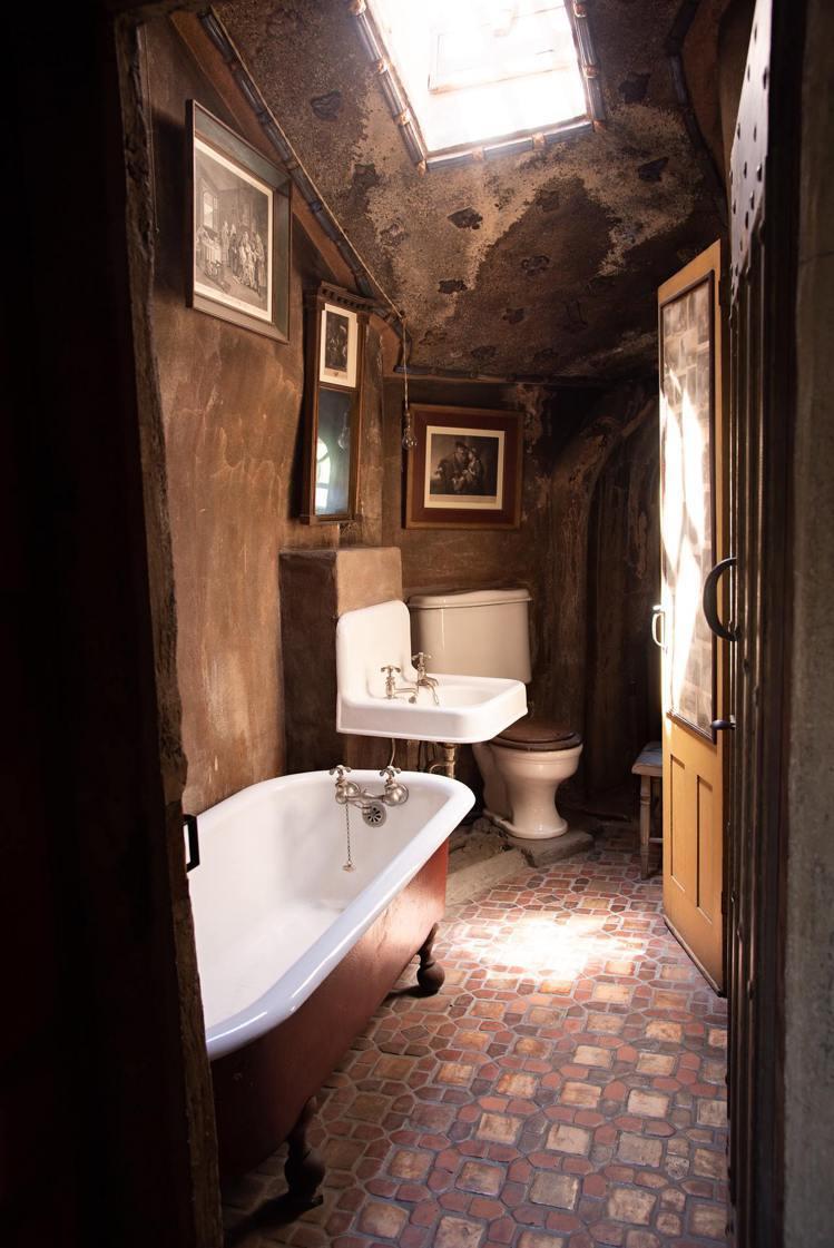 家裡有浴缸,但其實用不到幾次啊!圖/摘自Pelexs