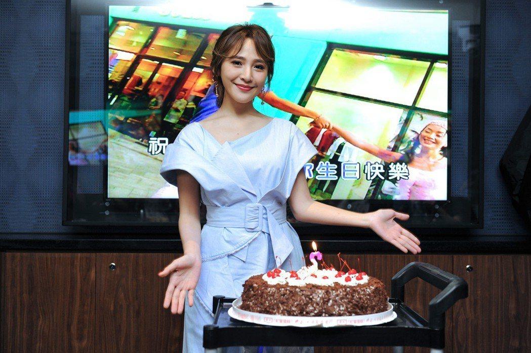梁文音歡慶32歲生日。圖/環球音樂提供