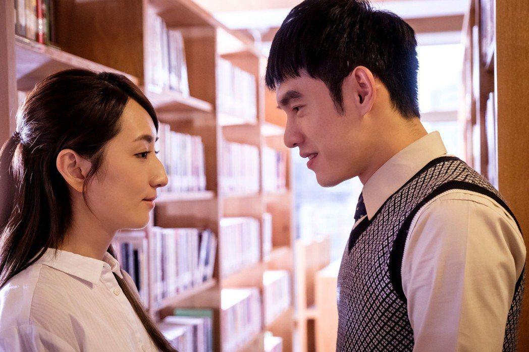 張書豪(右)見女神柯佳嬿成NG王。圖/歐銻銻娛樂提供