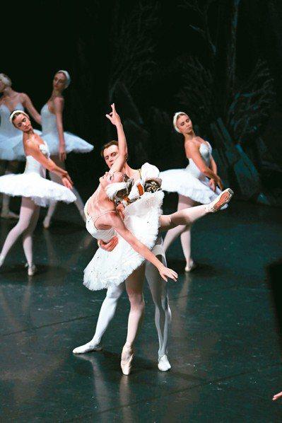 「俄羅斯第一天鵝」伊蓮娜.歌勒妮高,八月將與聖彼得堡芭蕾舞團在北、中演出。 圖/...