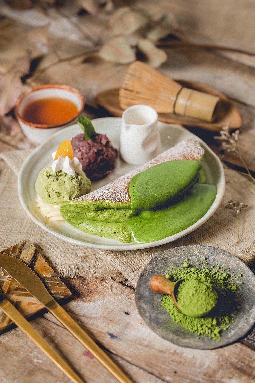 「Woosa屋莎鬆餅屋」宇治丸久小山園,濃抹茶紅豆冰淇淋鬆餅只賣到4月19號。圖...