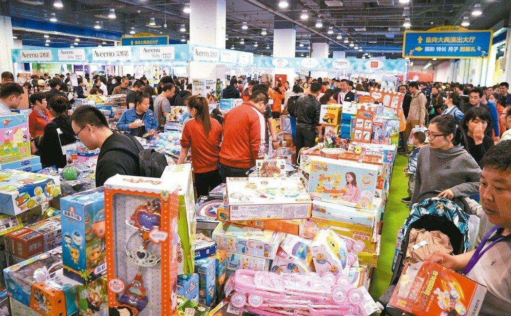 2018年大陸玩具零售金額人民幣704.8億元。圖為廣州玩具展。 (中新社)