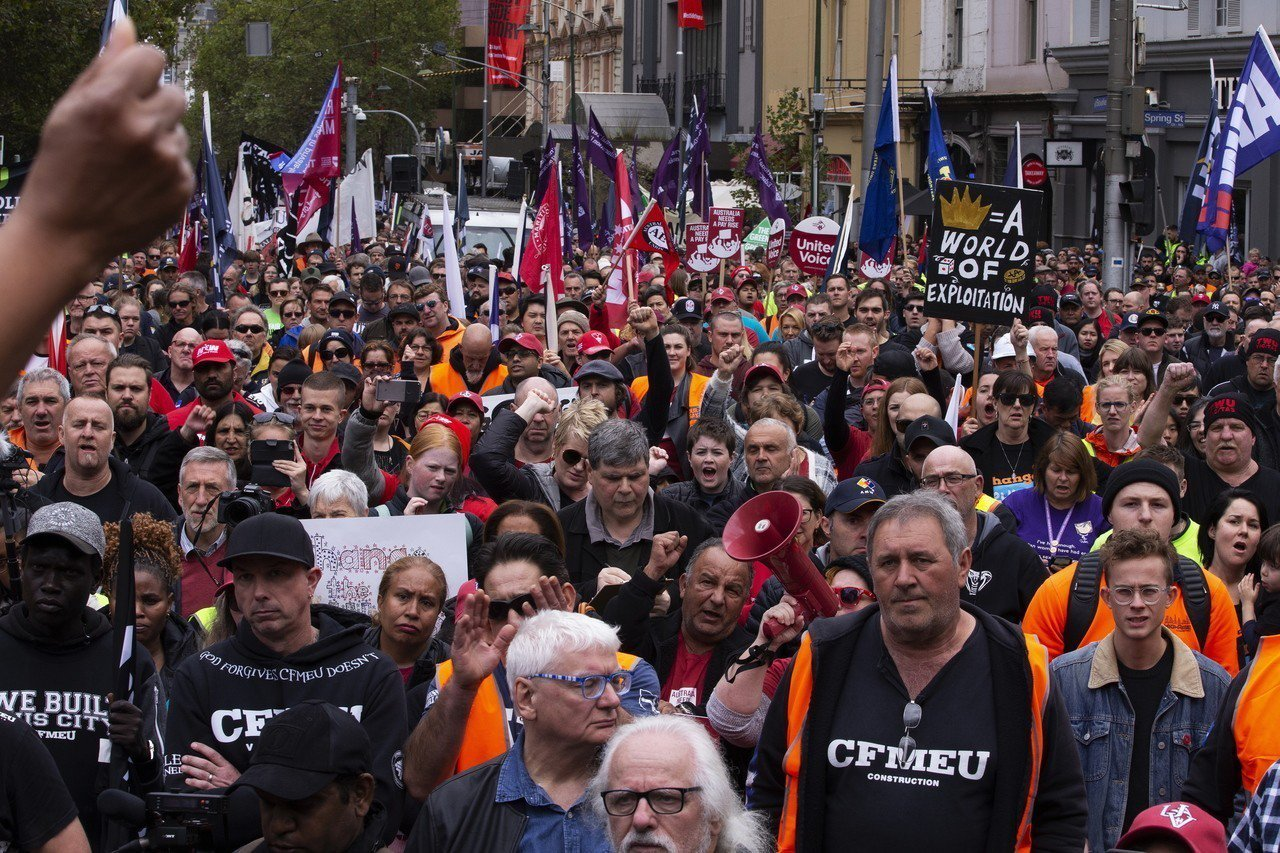數以萬計澳洲民眾走上街頭要求提高薪資。 歐新社