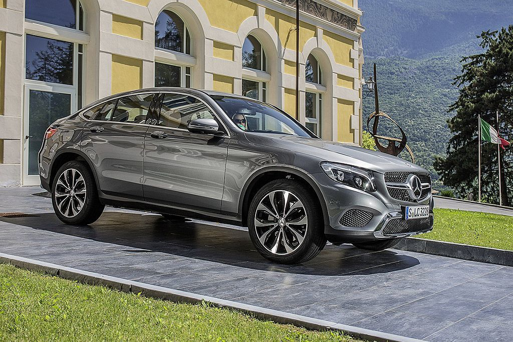 Mercedes-Benz GLC 200 Coupe型建議售價自新台幣244萬...