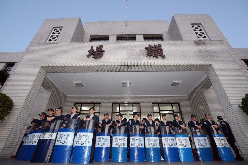 走讀路線最後一站是立法院——台灣真正的「社會亂源」。 圖/聯合報系資料照
