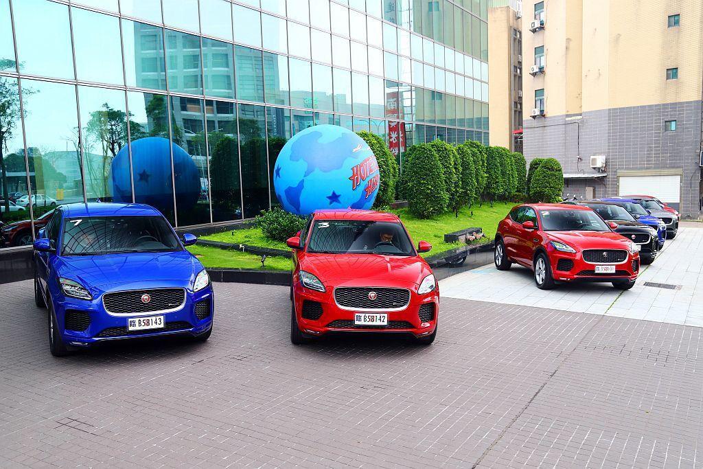 在品牌首款跨界跑旅F-Pace大獲好評之後,Jaguar緊接推出E-Pace都會...