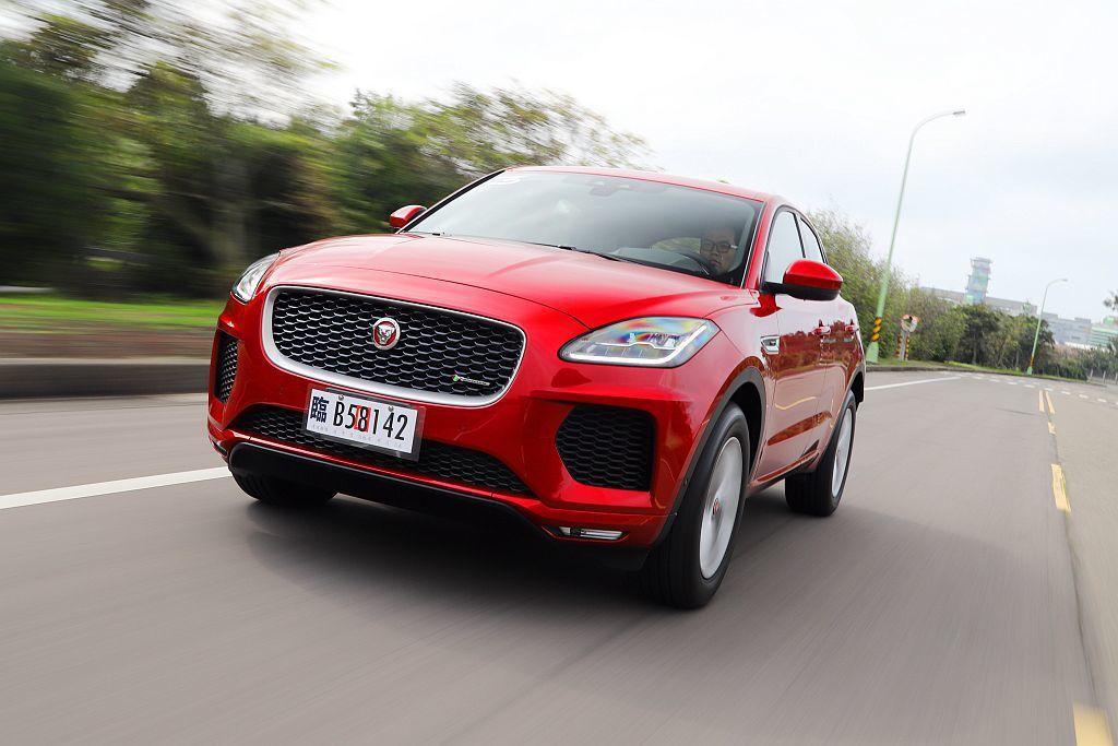 以Jaguar E-Pace的產品力來分析,限量升級的SE車型以更豐富的安全科技配備取勝對手,價格方面也頗具競爭力。 記者張振群/攝影