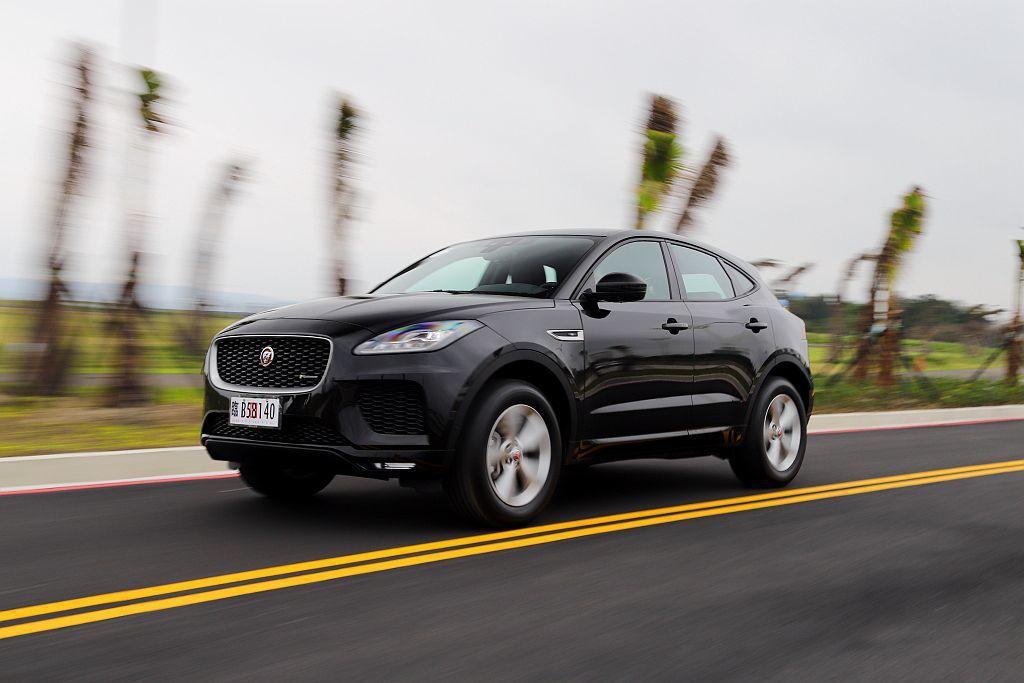 Jaguar E-Pace沒有像其他品牌成員搭載全鋁合金底盤平台,讓車重一舉突破1,830kg之譜。 記者張振群/攝影