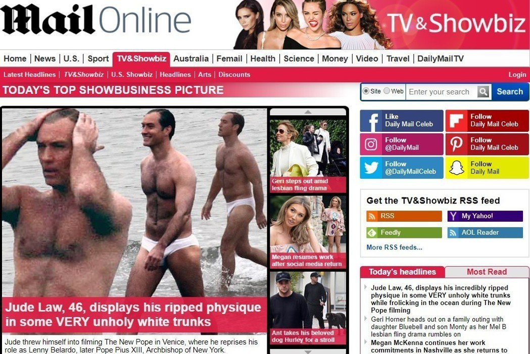 46歲的裘德洛為了新影集在海邊穿上性感短小泳褲拍外景,體格令網友讚嘆。圖/翻攝自...