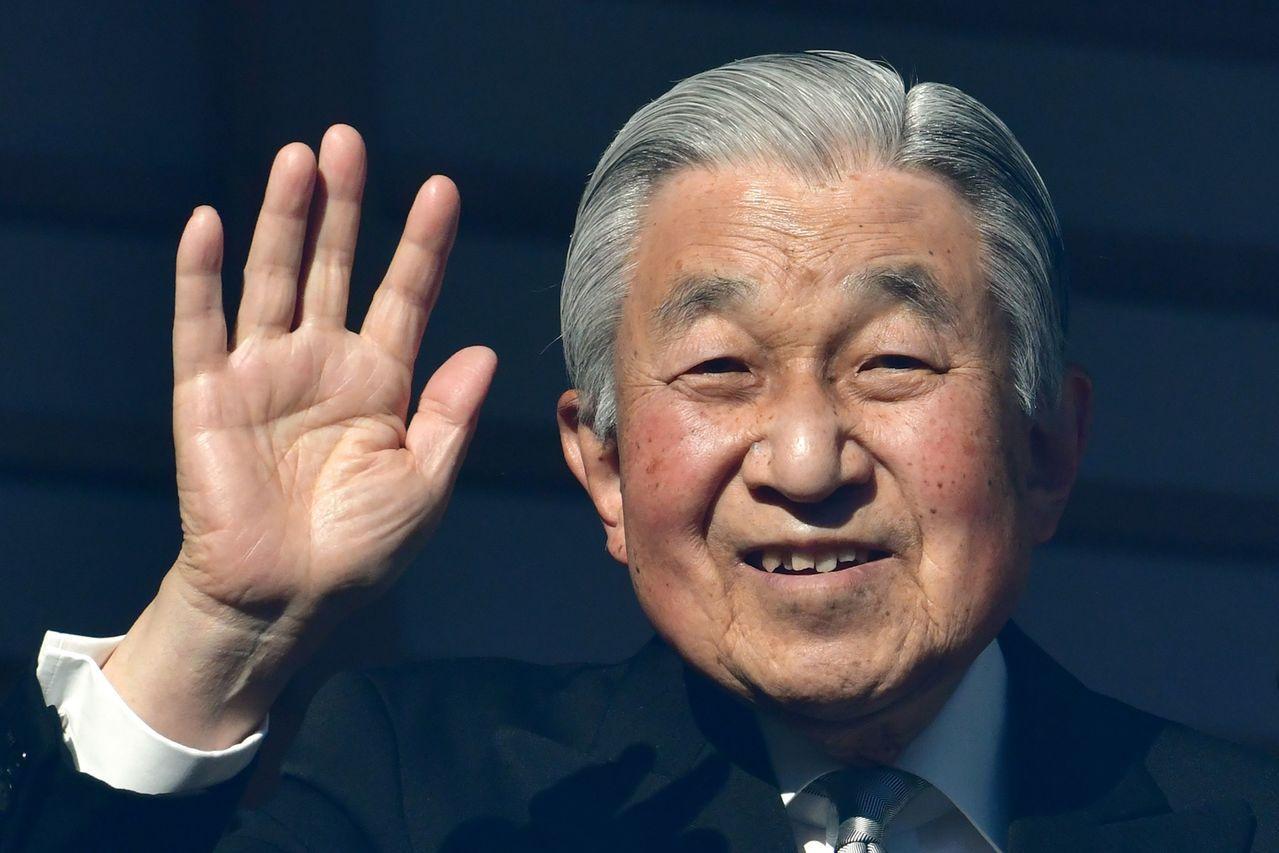 4月底就將退位的日本明仁天皇是二戰後的第一位天皇,在國內外都受到廣泛敬重。但他有...