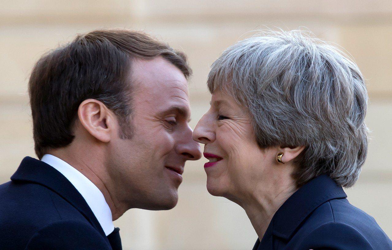 英國首相梅伊9日下午拜訪法國總統馬克宏,尋求支持將脫歐日期延長到6月30日。歐新...