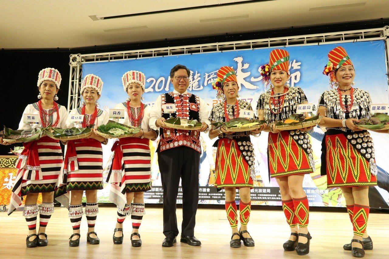 桃園市觀光旅遊局舉辦龍崗米干節,今年將邁入第9年,有別於以往活動僅2週時間,今年...