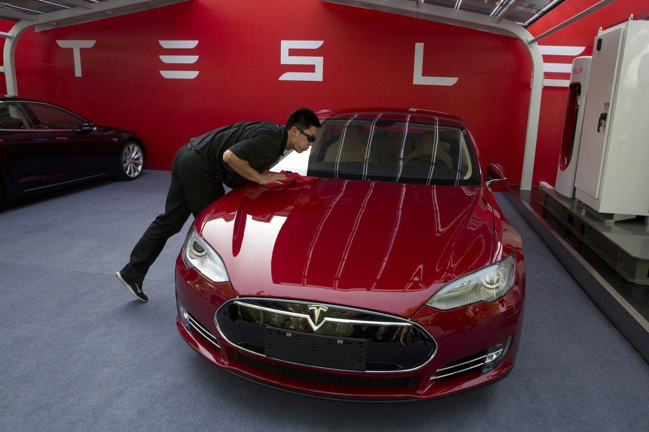 Instinet分析師盛讚特斯拉帶給汽車工業的破壞式創新影響力,認為這家電動車大...