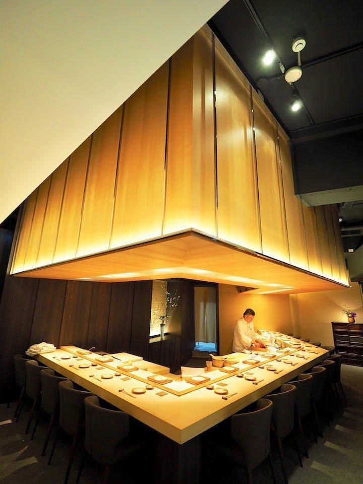 鮨隆店內只有16個位子。圖/摘自米其林官網